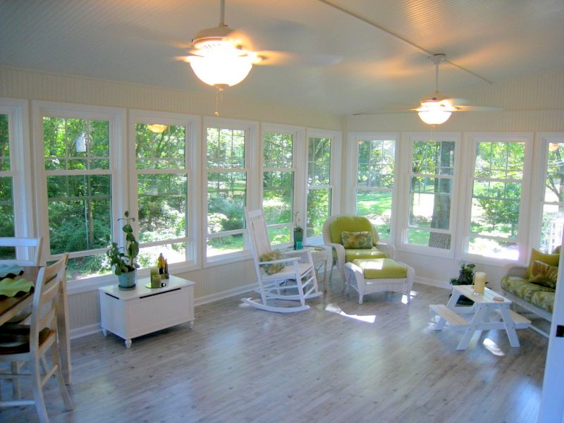 Three season rooms archadeck of kansas city for Porch sunroom