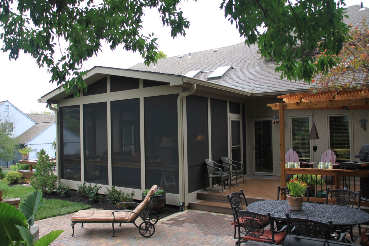 Screened porch archadeck of kansas city for Outdoor porches and patios