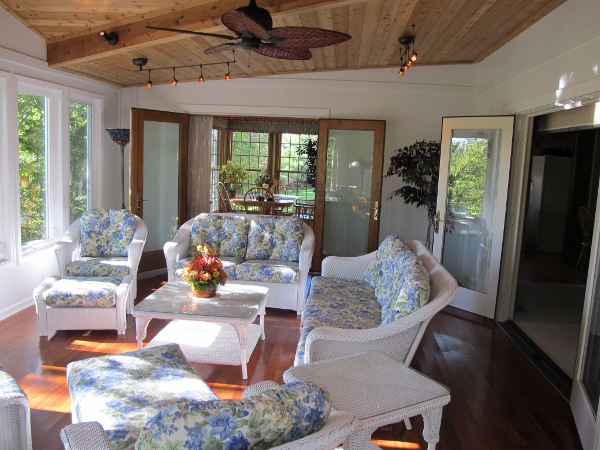 This olathe ks sunroom was the perfect replacement for an for Building a four season room