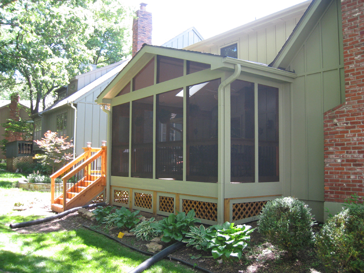 A screened porch in overland park by archadeck of kansas for Shed roof screened porch
