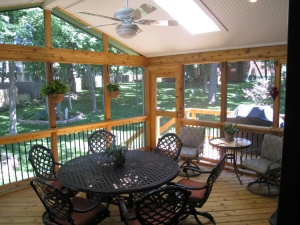 Screen porch Overland Park cedar floor wallposts