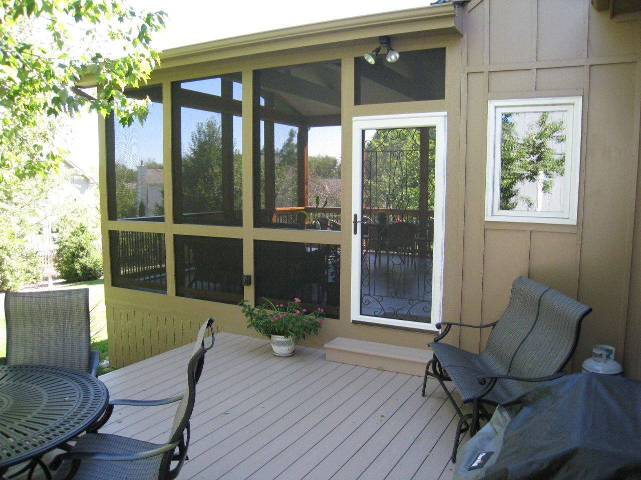 Overland park screened porch with tile floor archadeck of kansas azek brownstone deck and screen porch overland park dailygadgetfo Images