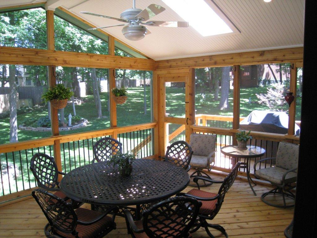Screened porch interior designs in kansas city archadeck for Screened in porch ideas design