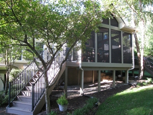 double-stairs-on-overland-park-screened-porch-750